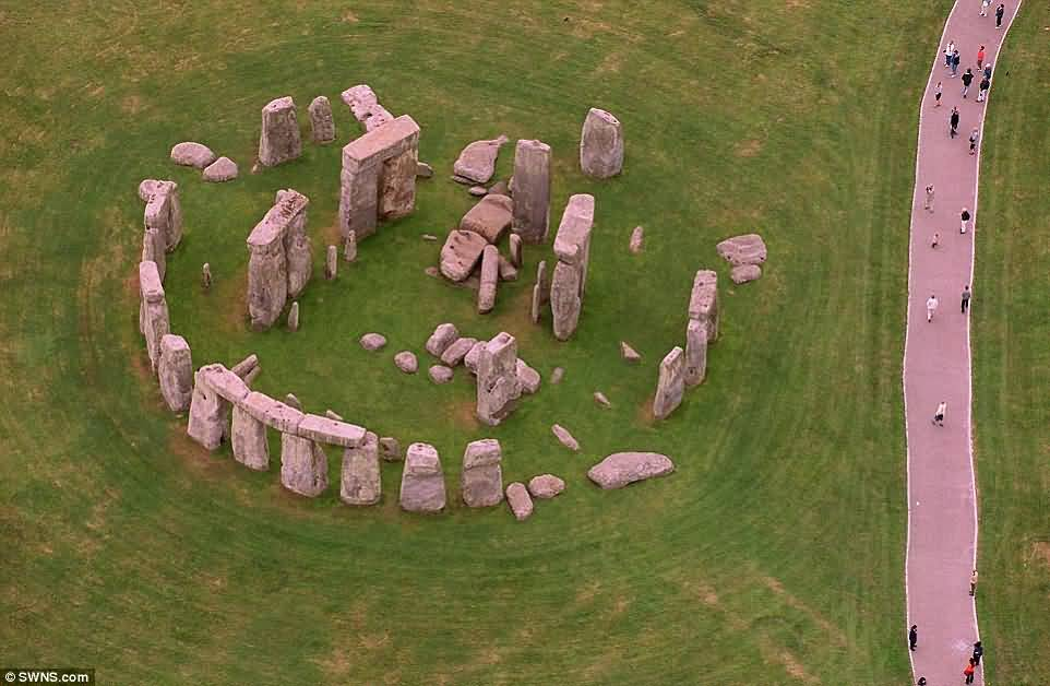 50 Incredible Stonehenge Monument Pictures And Photos |Stonehenge Aerial View Complete