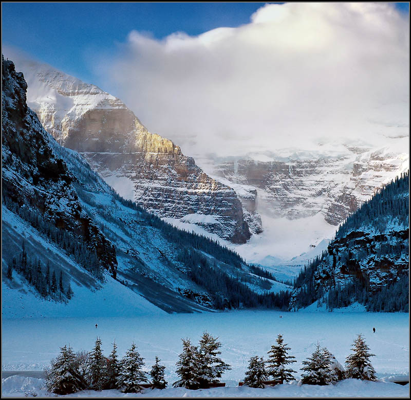 Read Complete 32 Beautiful Pictures Of Lake Louise During Winter Season