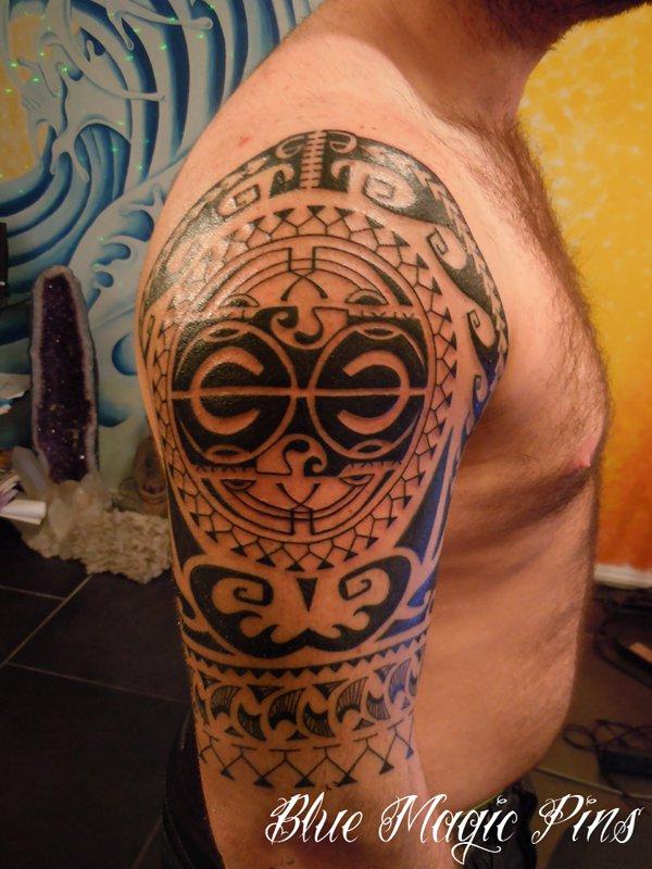34630eae67d39 Maori Tribal Tattoo On Right Half Sleeve For Men