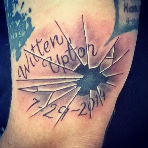 40 Broken Glass Tattoos