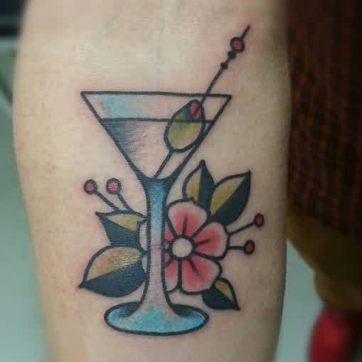 60 incredible glass tattoos and ideas for Small cocktail tattoos