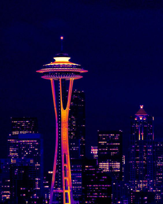 45 night pictures of space needle tower in seattle washington. Black Bedroom Furniture Sets. Home Design Ideas