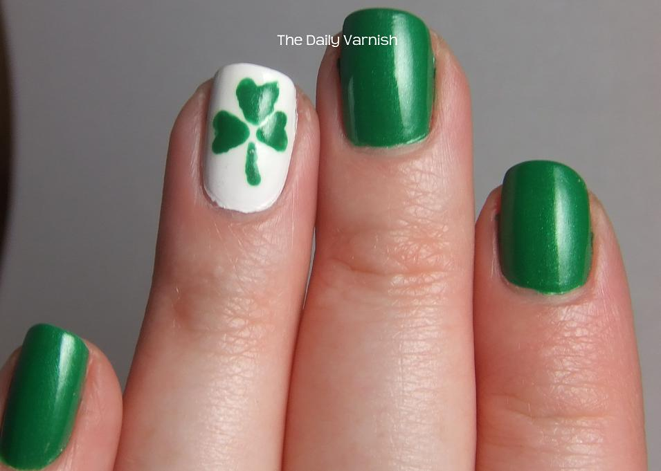 Shamrock nail design graham reid accent green shamrock leaf saint patricks day nail art 50 adorable saint patricks day nail prinsesfo Gallery