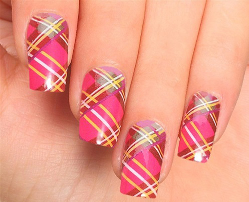 Adorable Plaid Nail Art