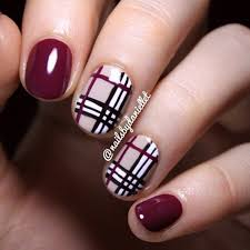 Amazing Plaid Print Nail Art