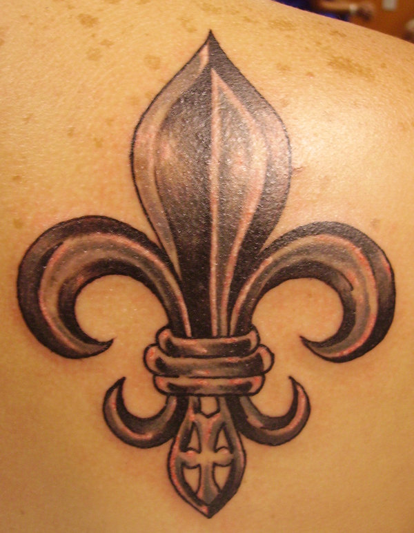 15 fleur de lis tattoos on upper back. Black Bedroom Furniture Sets. Home Design Ideas