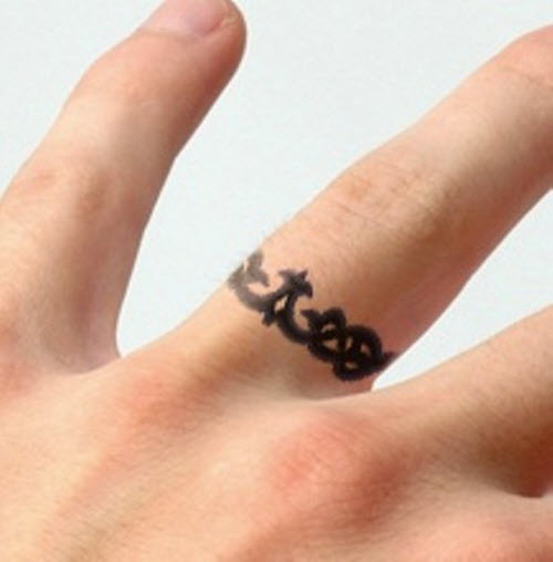 bee292009 Attractive Black Finger Ring Tattoo