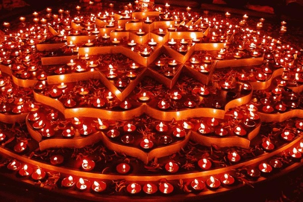 Beautiful Diyas Diwali Decoration Idea