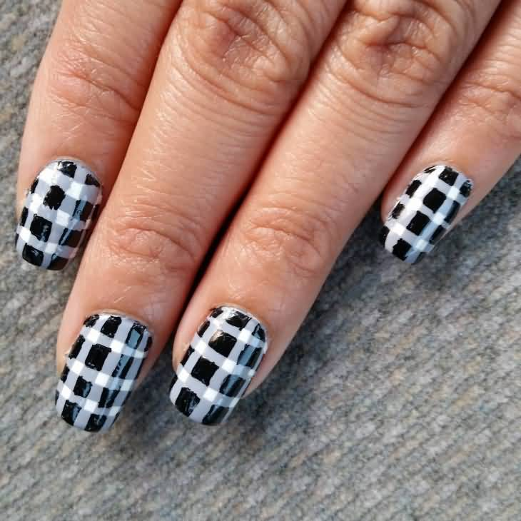 Black And White Plaid Print Nail Art