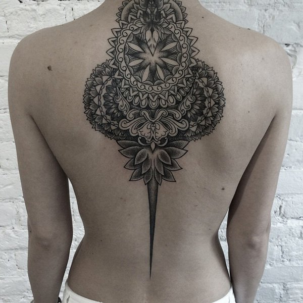 Tattoo For Woman On The Back: 45+ Mandala Tattoos Ideas For Back