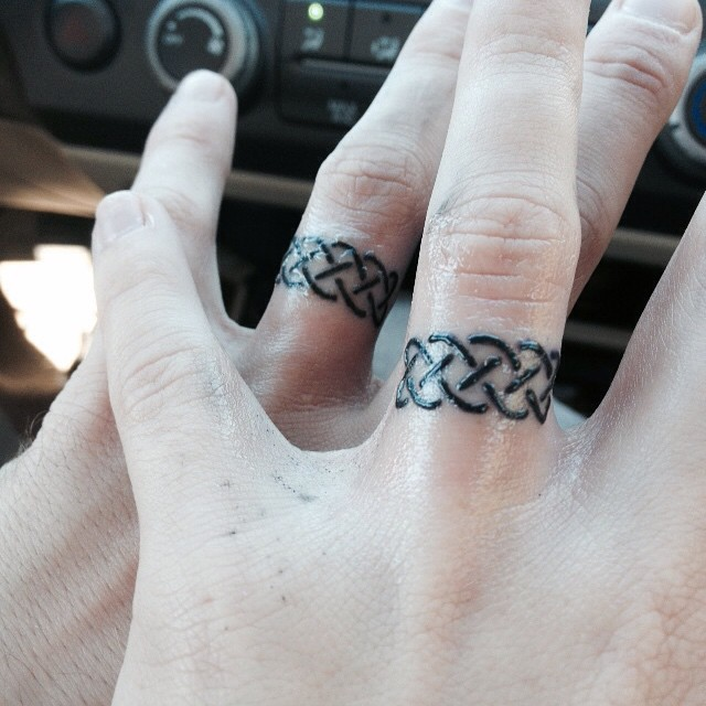 27 finger ring tattoos for Celtic ring tattoos