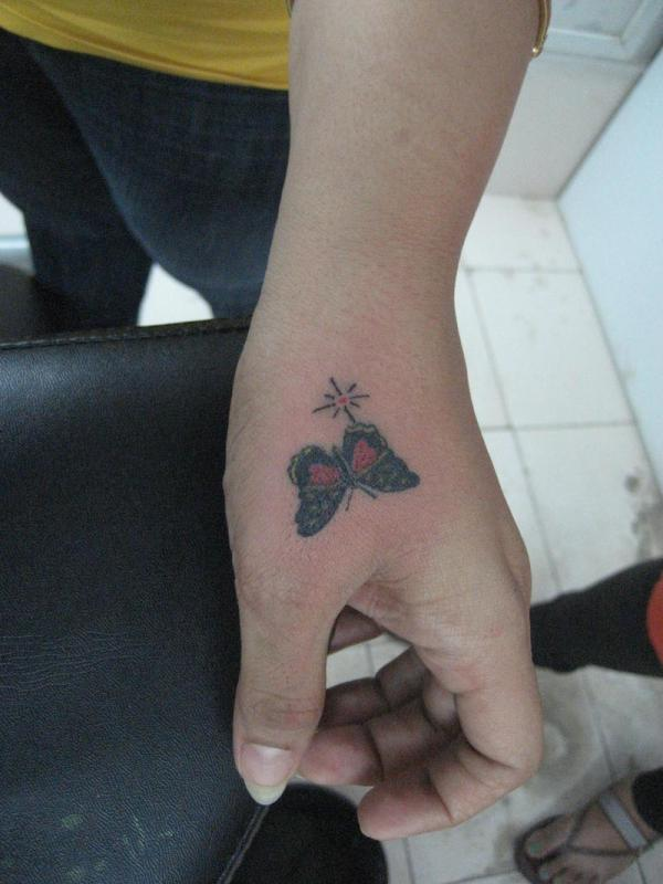35 Awesome Side Hand Tattoos