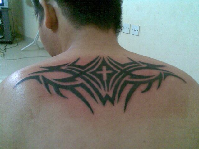 70fb808d5a8a4 Cool Christian Cross With Tribal Design Tattoo On Upper Back