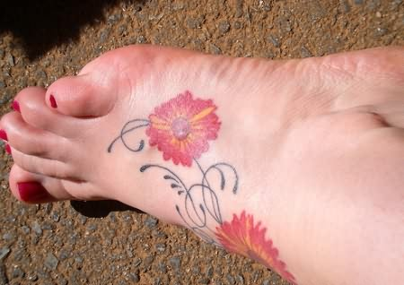 cute daisy foot tattoo for young girls. Black Bedroom Furniture Sets. Home Design Ideas