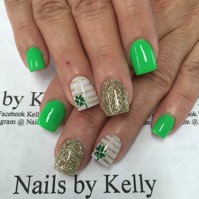 Gold Stripe And Shamrock Leaf Saint Patrick\'s Day Nail Art