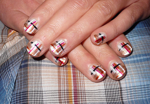 Golden Plaid Nail Art Design