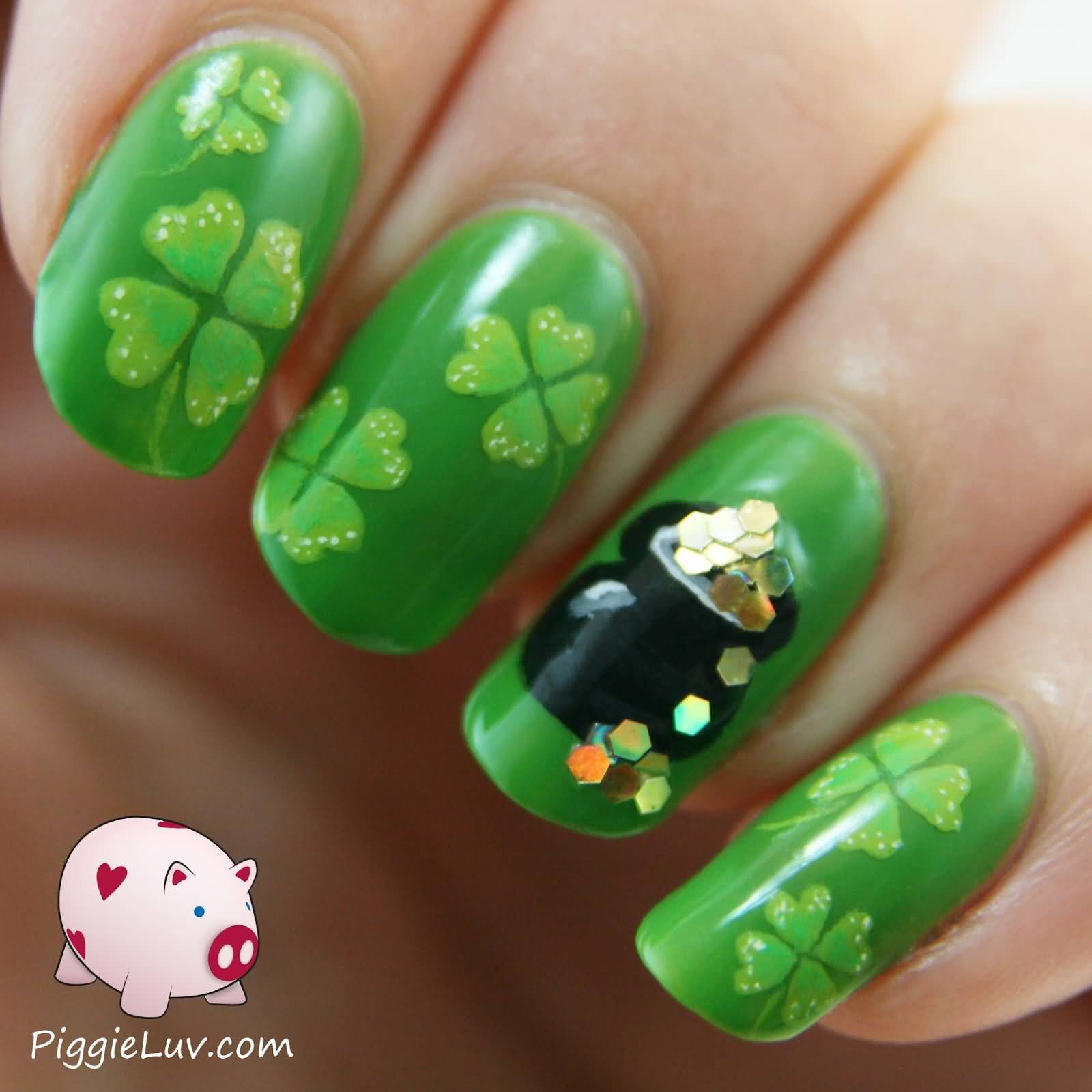 Green Shamrock Leaf And Gold Pot Saint Patrick\'s Nail Art