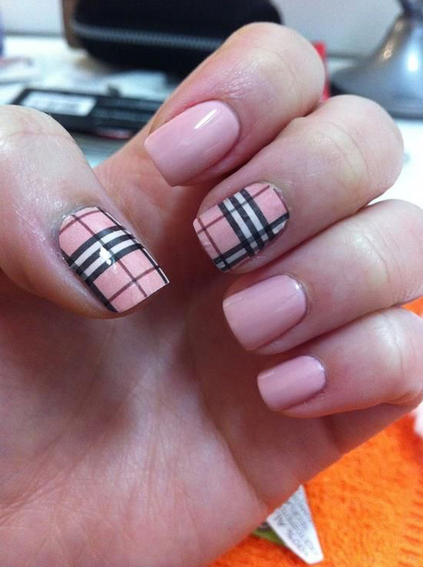 Light Pink And Black Plaid Design Nail Art