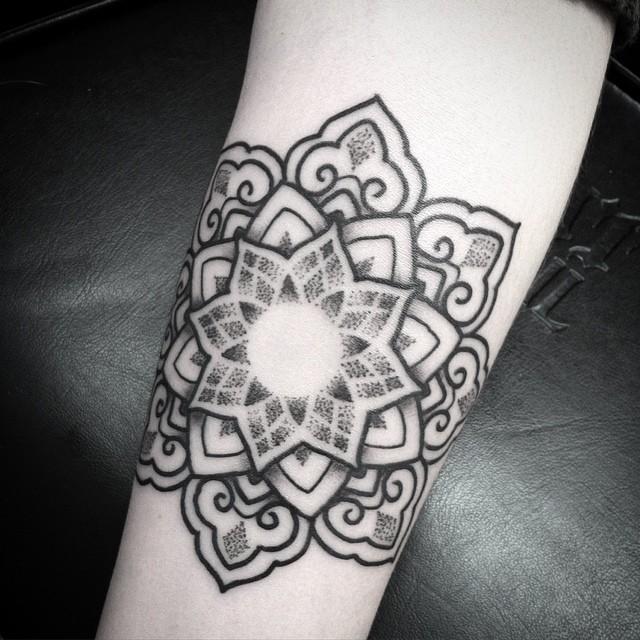 40 mandala tattoos on forearm. Black Bedroom Furniture Sets. Home Design Ideas