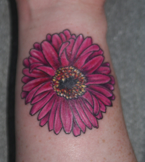 50 latest daisy tattoos ideas. Black Bedroom Furniture Sets. Home Design Ideas