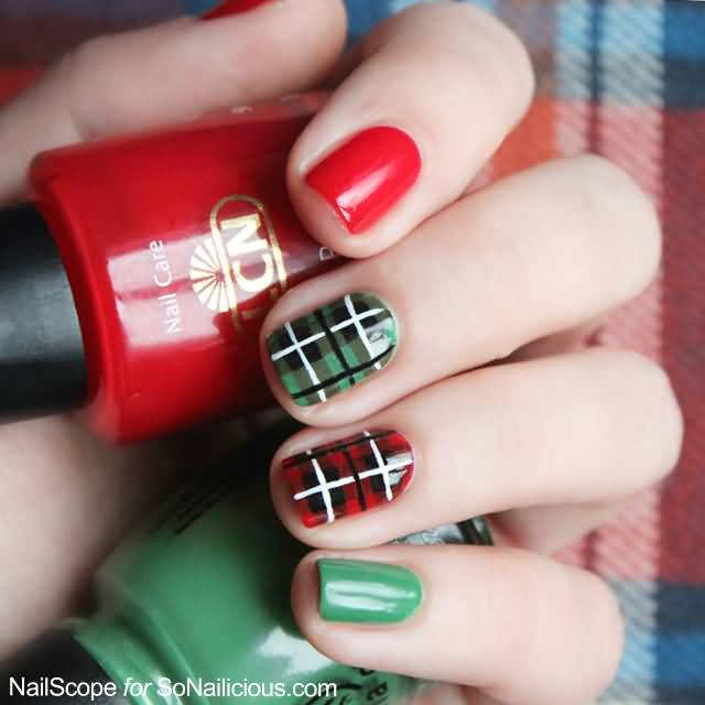 Red And Green Beautiful Plaid Nail Art