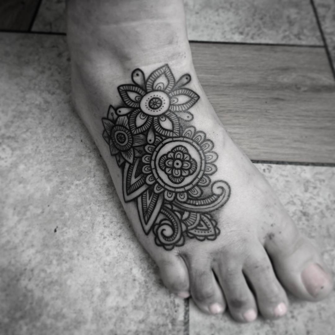 25 black and white flower foot tattoo for Tattoo on the foot