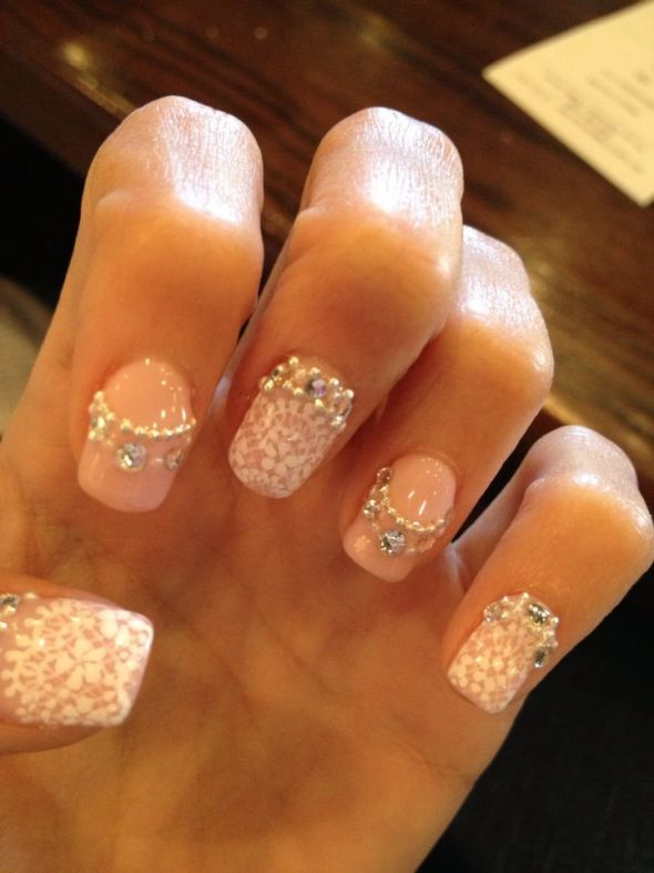 White Lace Flowers And Pearls Design Nail Art