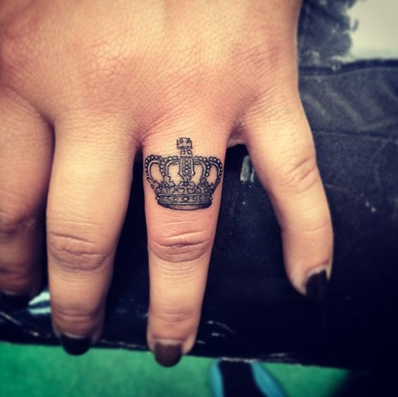 56ec3e7cf Awesome Small Crown Tattoo On Finger