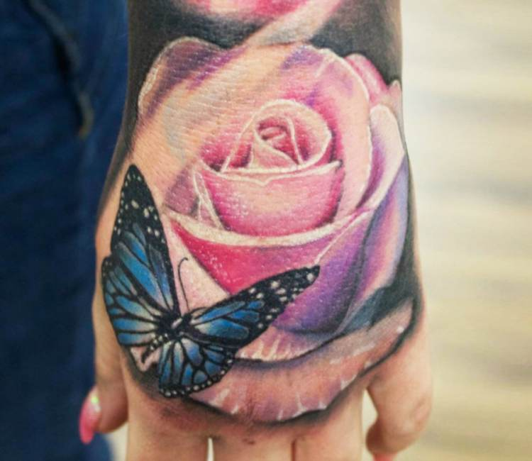 20+ Rose Tattoos On Hand For Girls