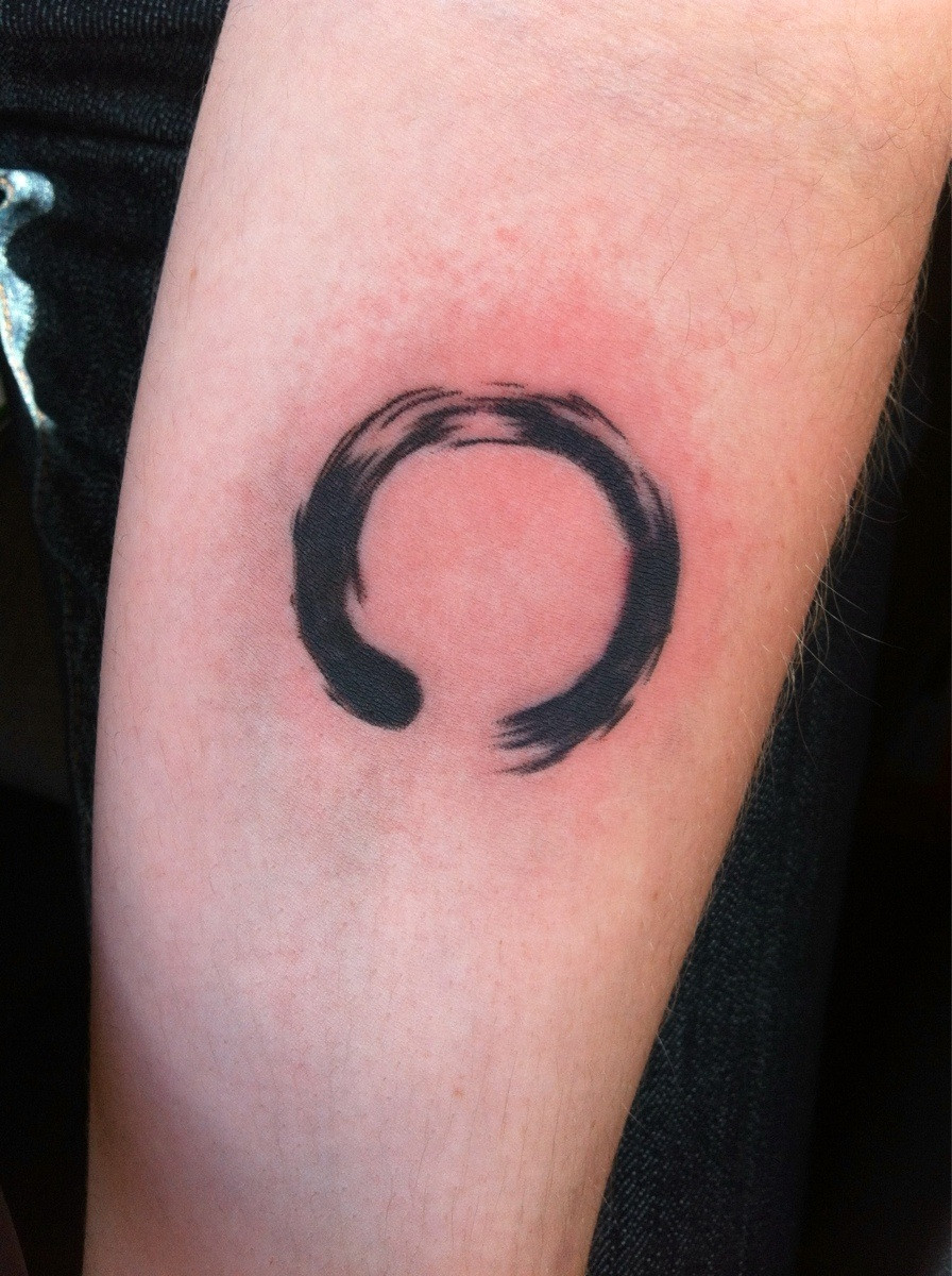 c3456cf7abe01 Cool Black Ink Zen Enso Circle Tattoo On Forearm