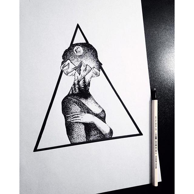 20 Triangle Tattoo Design Ideas