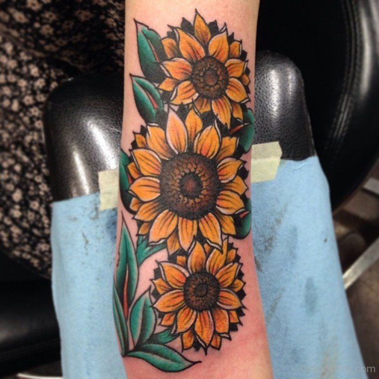 25 beautiful realistic sunflower tattoos for Sunflower tattoo thigh