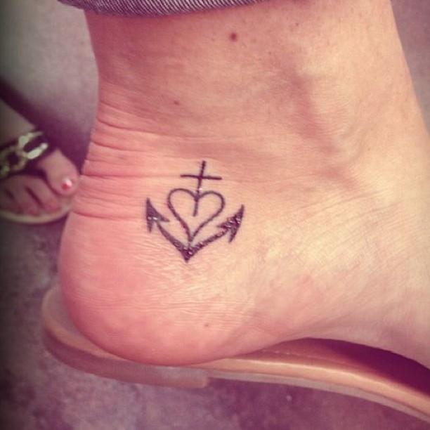 20 beautiful heart tattoos on ankle. Black Bedroom Furniture Sets. Home Design Ideas
