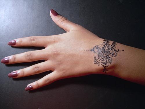 15 Bracelet Tattoos For Girls