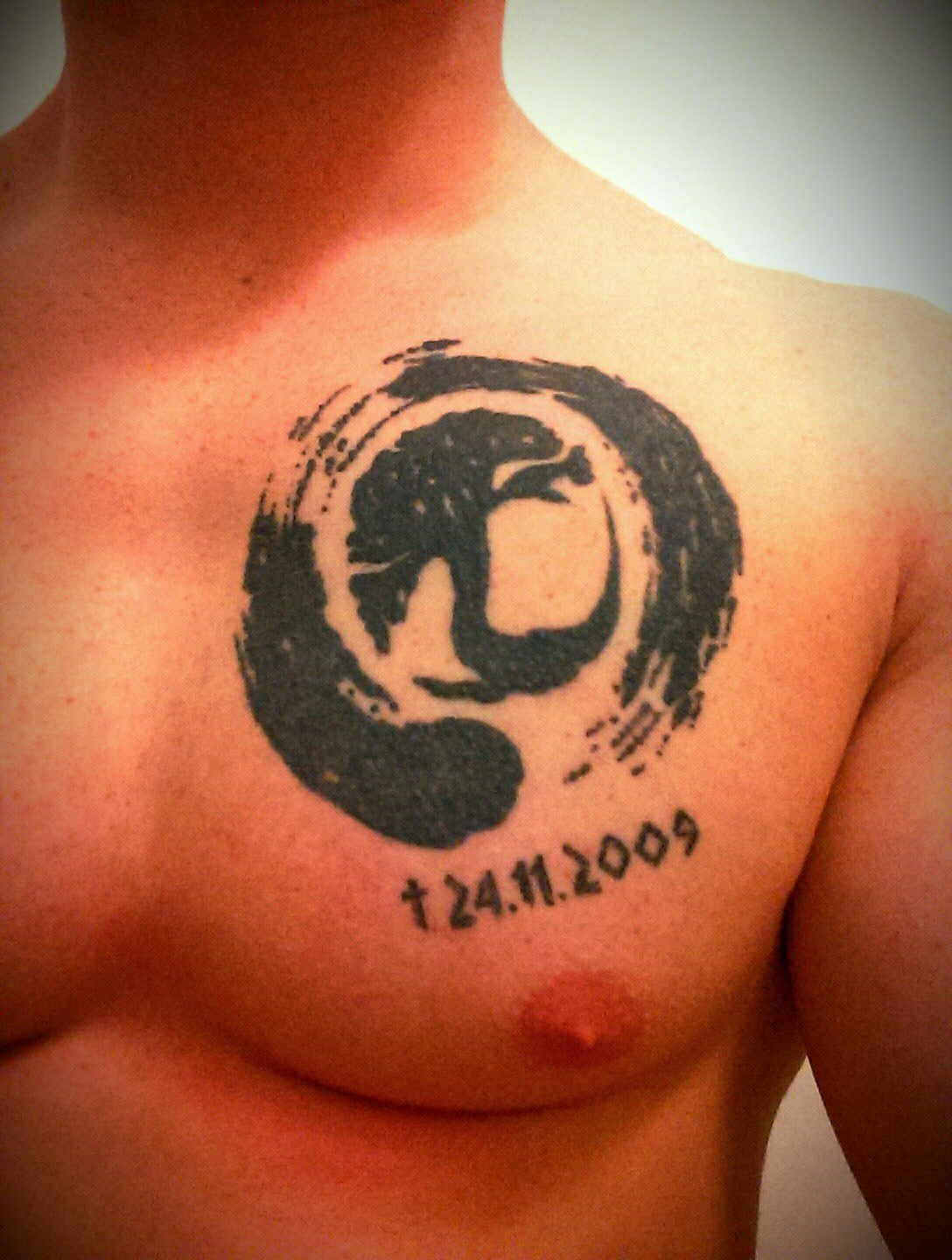 56 amazing zen enso circle tattoos ideas. Black Bedroom Furniture Sets. Home Design Ideas