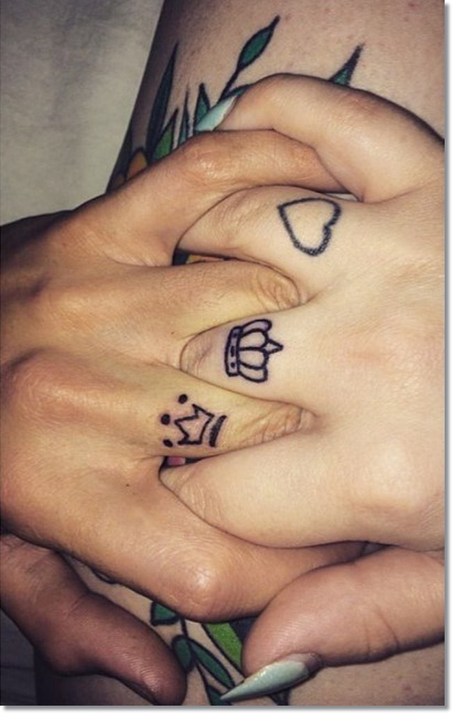 22ccee470 Outline Heart And Finger Crown Tattoos For Girls