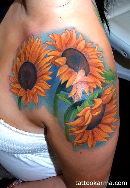 25 Beautiful Realistic Sunflower Tattoos