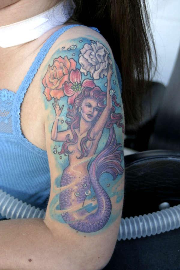 20 beautiful mermaid tattoos collection for Little mermaid tattoo sleeve