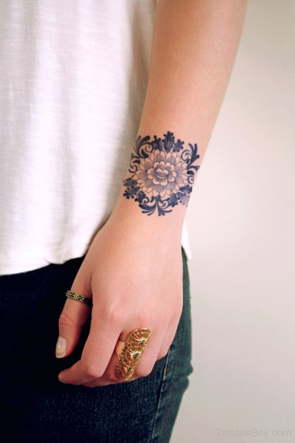 Flower Design On The Wrist Henna Tattoo: 60+ Flowers Wrist Tattoos Ideas