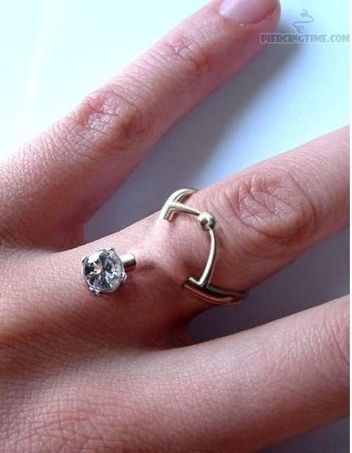 33 Cute Finger Ring Piercings