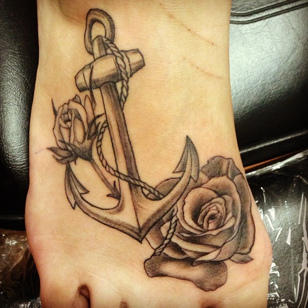 50 best anchor rose tattoos collection for Black anchor tattoo la