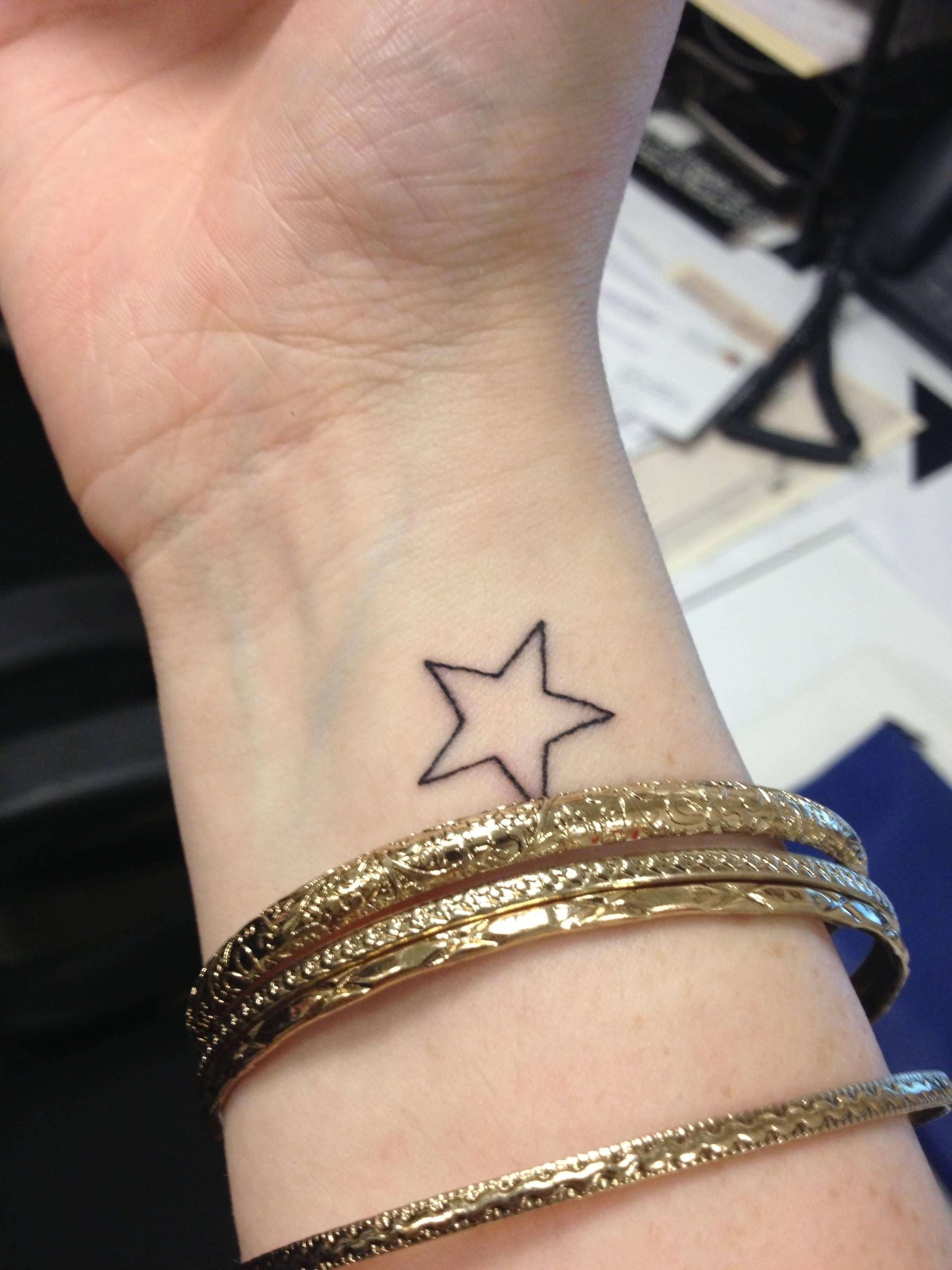 досуге актер картинки тату из звезд на руке связаны