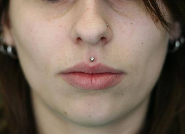 Simple Medusa Piercing Picture