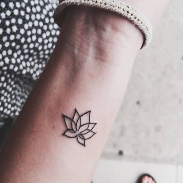 37 outline lotus tattoos collection amazing outline lotus tattoo design for wrist mightylinksfo