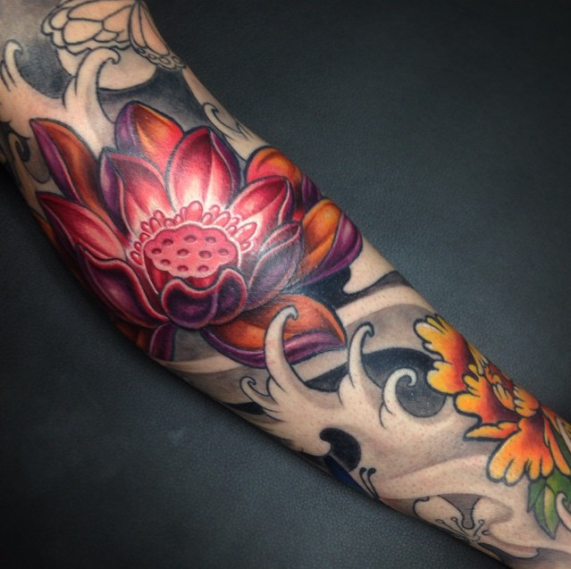 Attractive 3D Japanese Flower Tattoo Design For Sleeve