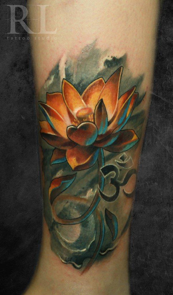 e6622e652ac49 Attractive 3D Lotus Flower Tattoo Design For Leg