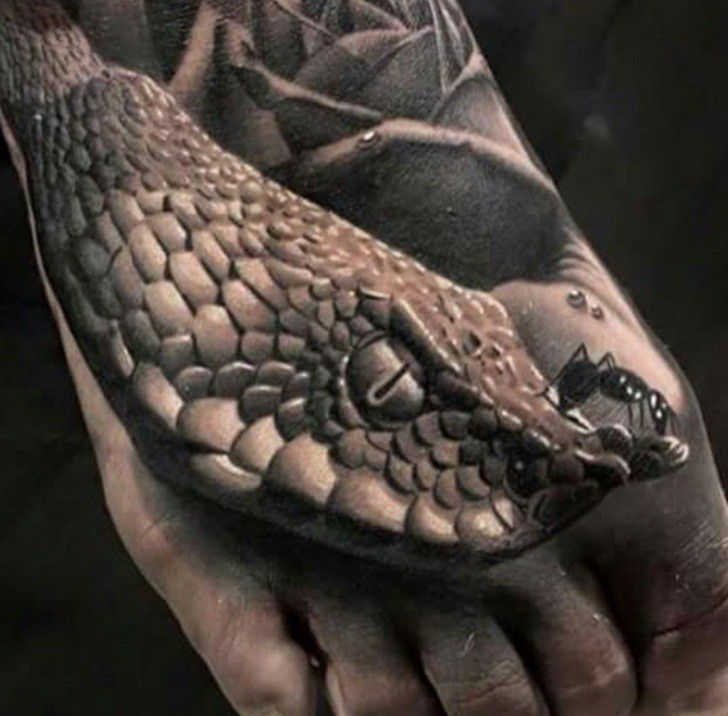 38+ Realistic Snake Tattoos