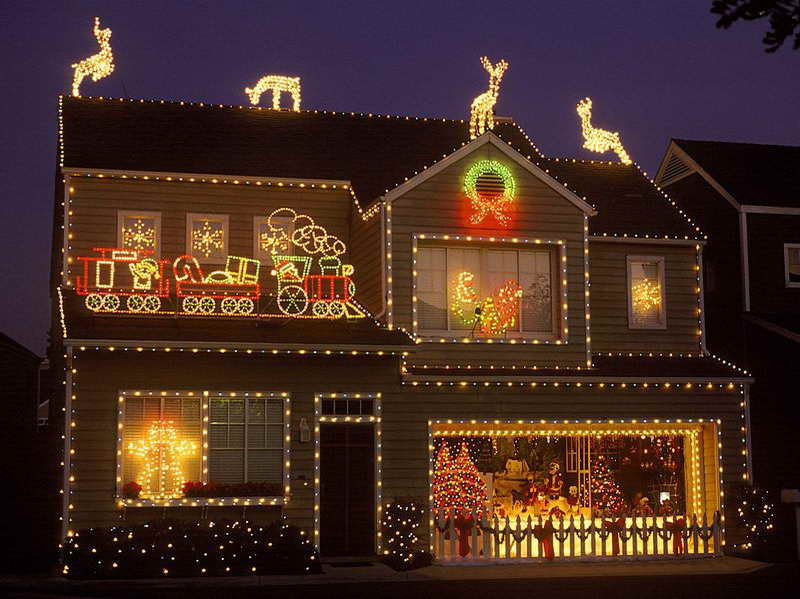 Best Outdoor Christmas Light Decoration Ideas