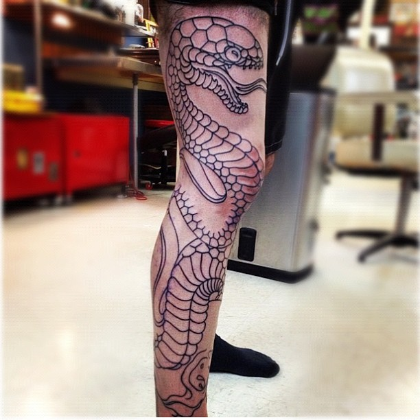 Rattlesnake Wrapped Around Leg Tattoo: 28+ Snake Tattoos On Leg