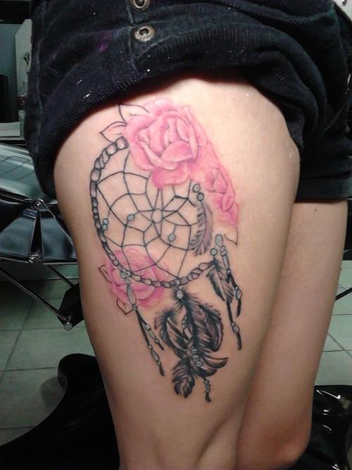 Dream Catcher Tattoo On Thigh 41+ Dreamcatcher Tattoos On Leg 33